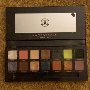 Anastasia prism eye shadow pallet